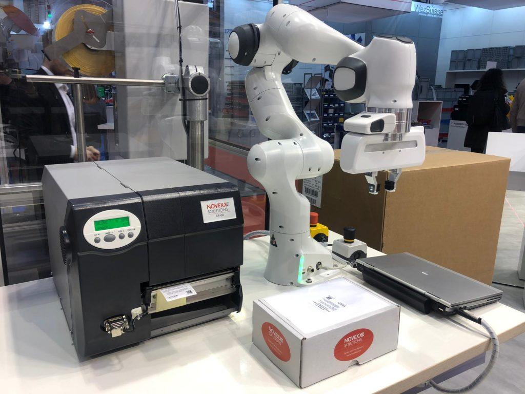 Empack automatisches Etikettieren mit unserem Roboterarm